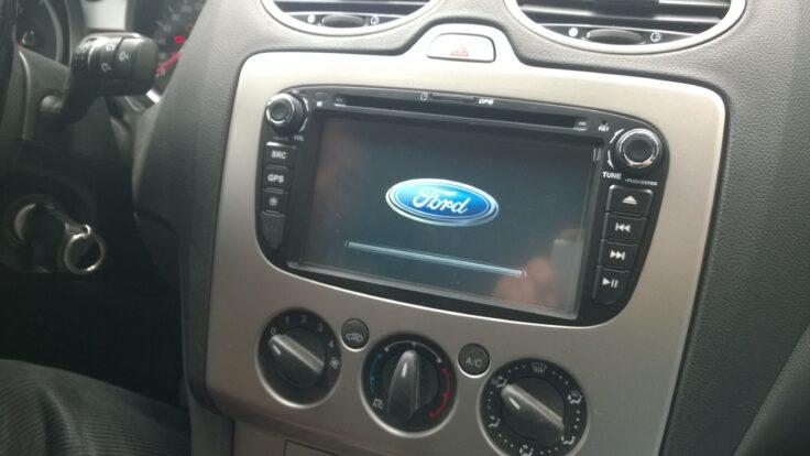 Ford Focus 2 navigasyon multimedya teyp sistemi